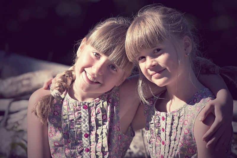 National close-friend day,                 children girl brothers and sisters