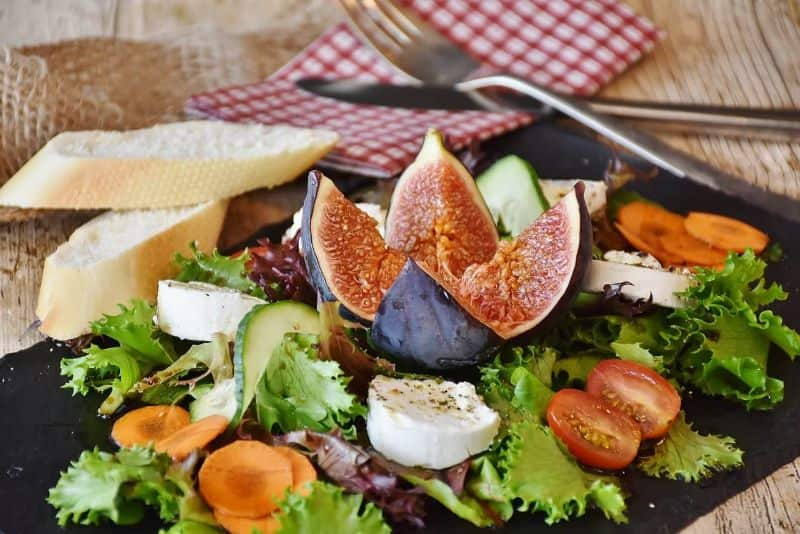 goat salad figs cheese