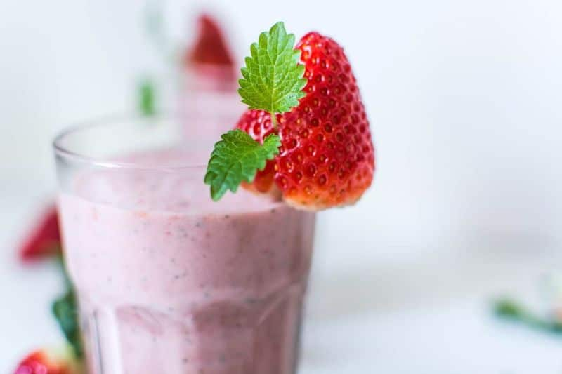 smoothie milkshake beverage strawberry